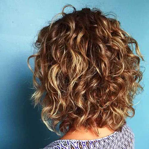 Cortes cabello al hombro en capas
