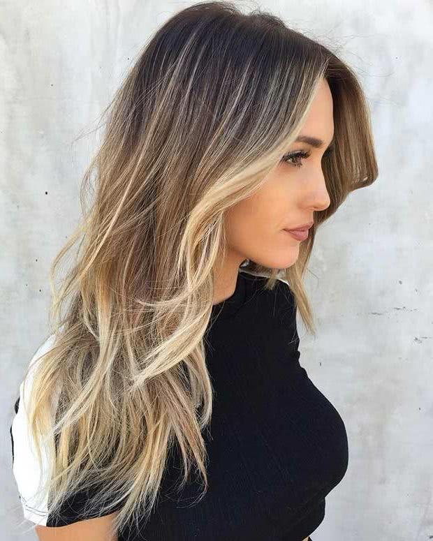 Un corte de pelo en capas largas